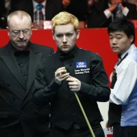 Being A Snooker Pro Should Be A Full-Time Job